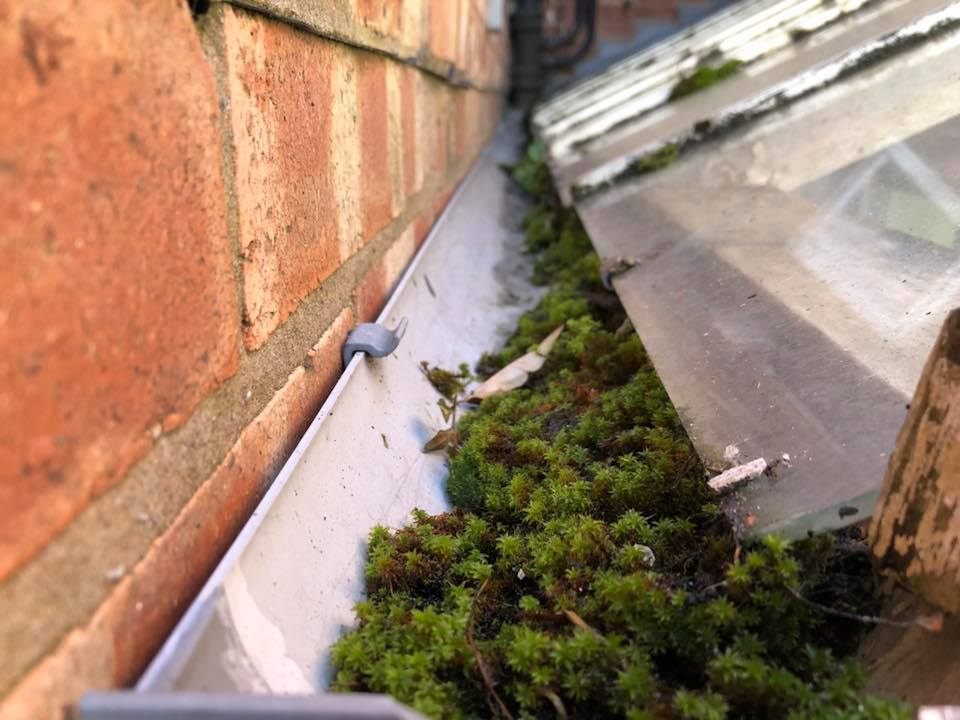 gutter clearing services